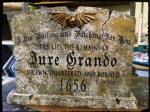 Надгробная плита для вампира