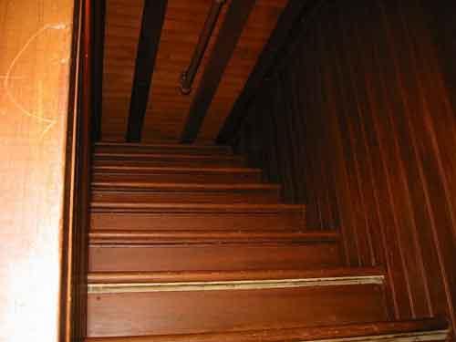 Винчестер Хаус, лестница