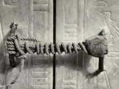 Проклятие гробницы Тутанхамона преследовало и убивало археологов.