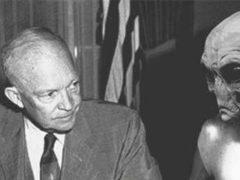 Бывший президент США Дуайт Эйзенхауэр заключил договор с тремя расами инопланетян.