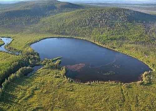 озеро где живет лабынкырский черт