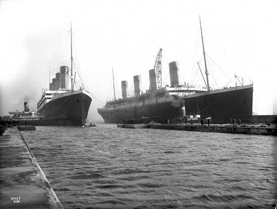 RMS Olympic (слева) и RMS-Titanic (справа) состыкованы вместе