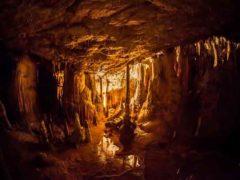 Истории подземных городов и таинственных туннелей.